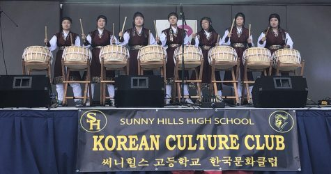 Korean Culture Club members perform Nanta with traditional Korean outfits at Buena Park's 63rd annual Silverado Days Festival on Oct. 19. Photo taken by feature editor Lira Jeong