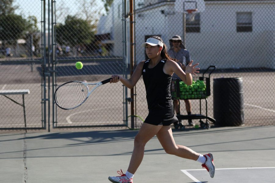 No.+1+doubles+player+sophomore+Natalija+Glavy+hits+a+running+forehand+during+Sunny+Hills%27+Oct.+22+home+match+against+Fullerton+Union+High+School.+Photo+taken+by+Accolade+photographer+Paul+Yasutake