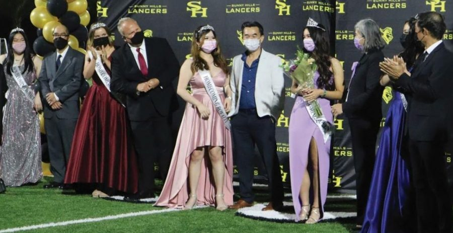 Though many seniors have chosen to stay home instead of coming to campus four days a week, many traditional events like nominating a homecoming court are returning for them.